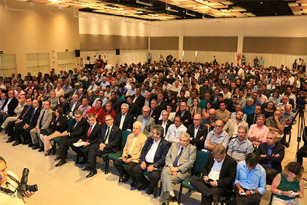 Cenários políticos e de retomada da economia, no contexto de superação da pior crise brasileira, foram abordados por gestores e ministro de Estado no Motores