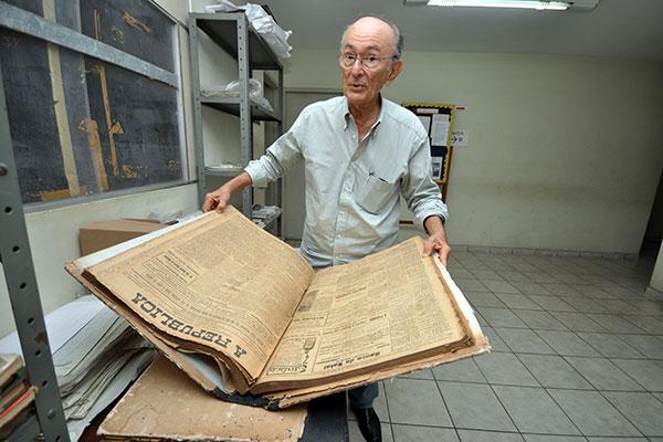 Claudio Galvão se deparou com jornais da República encharcados