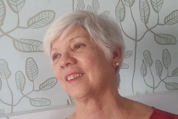 Diva Cunha leva sua Dádiva para a Cooperativa