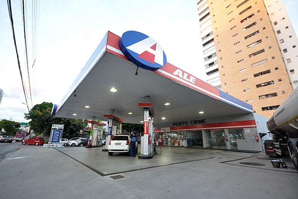 A distribuidora de combustíveis Alesat é a quarta maior do Brasil, com 1.500 postos e com faturamento médio de R$ 12,5 bilhões