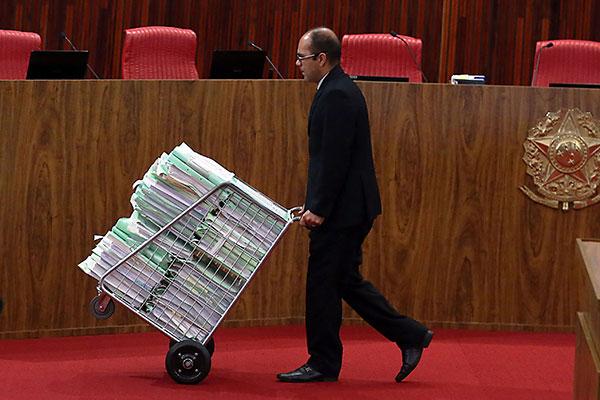 Processo deverá ir ao plenário do Tribunal Superior Eleitoral