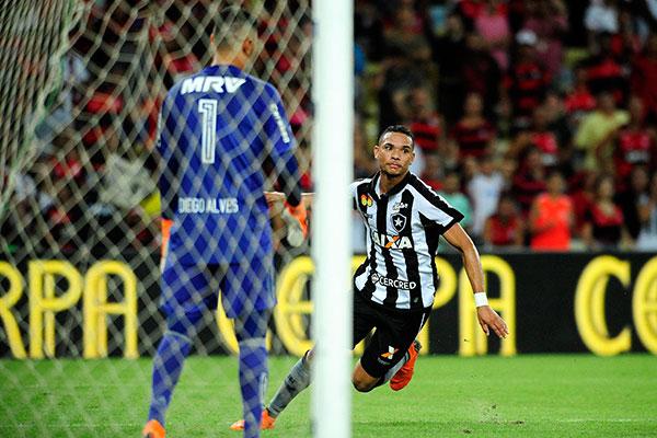 Carpegiani critica demissões precipitadas do Flamengo