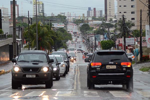 Para a Jaguarari, que recebe grande quantidade de veículos, a proposta é implantar mão única no sentido Centro-Candelária