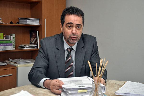 """Procurador geral adjunto, João Coque, disse que o bloqueio """"onera bastante as contas do Estado"""""""
