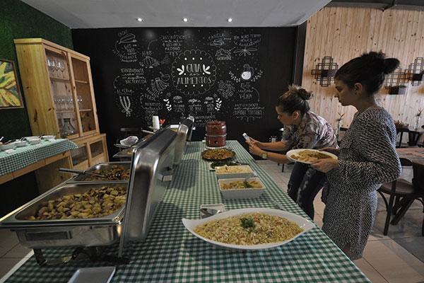 Restaurante tem serviço de buffet a la carte