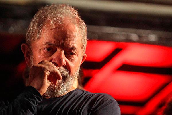 Luiz Inácio Lula da Silva tem prazo para se apresentar à PF