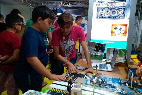Ensino de robótica desperta interesse da criançada na Open Campus