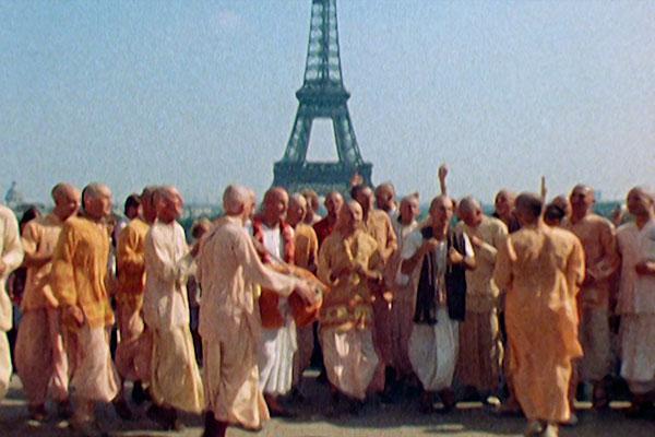 Hare Krishnas em Paris: mantra percorreu o mundo