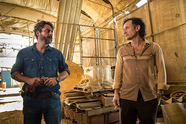 Alexandre Nero (Pedro) e Enrique Diaz (delegado) são rivais