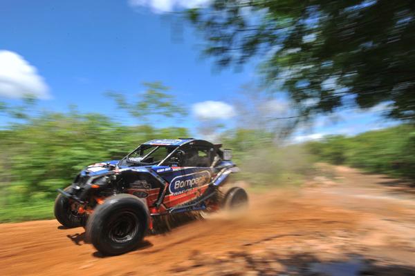 Denísio Nascimento e Idali Bosse venceram a terceira e quarta etapas e assumiram a liderança no final do Rally