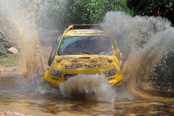 A temporada de chuvas pelo interior do Rio Grande do Norte criou obstáculos novos e inesperados