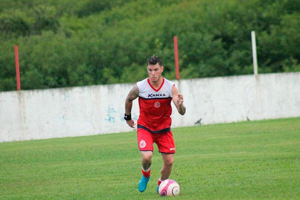 Luiz Fernando, meio-campo