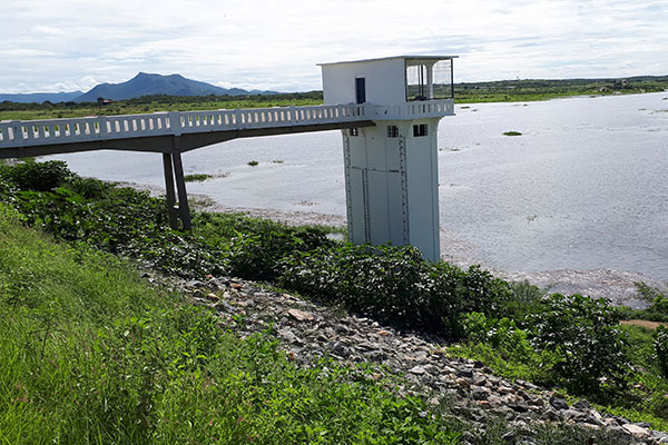 Em 2 de abril, o açude Itans tinha 1,227 milhões de m³ de água. Agora, tem 7,105 milhões de m³. Em 15 dias, ganhou 5,878 milhões de m³