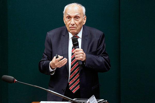 Luis Roberto Ponte defende a preservação da legislação