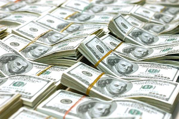 Primeiro trimestre teve queda de 17,7 bilhões de dólares, diz BC