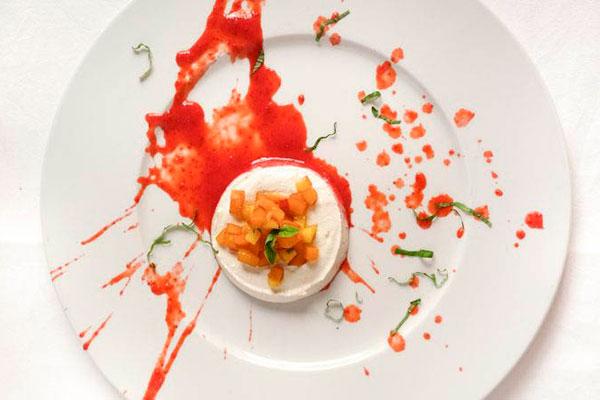 Cozinha de Davine utiliza vegetais para criar pratos complexos em sabor e visual