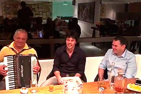 Na noite do domingo, Fábio Faria postou o vídeo em seguida a Sirano e Beto Rosado