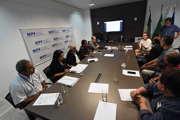 Procuradora Clarisier Azevedo conduziu reunião de conciliação
