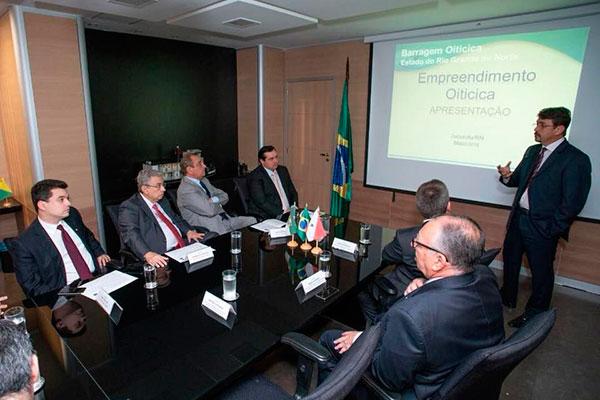 Na reunião, Mairton França disse que não há como concluir a barragem com o orçamento atual
