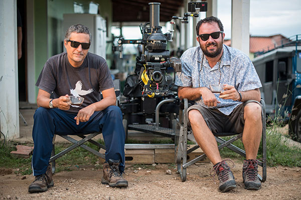Kleber Mendonça e Juliano Dornelles dividem roteiro e direção