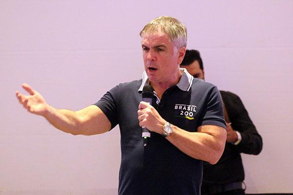 Flávio Rocha defende uma mudança no sistema tributário nacional e demonstra confiança de que vai para o segundo turno