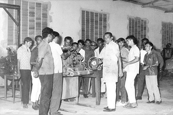 Formandos do curso de Mecânica Diesel do Senai Natal, em 1952