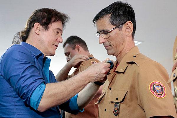 Coronel Monteiro (D) diz que foi exonerado por contrariar determinação do governador Robinson Faria para liberar casa de shows