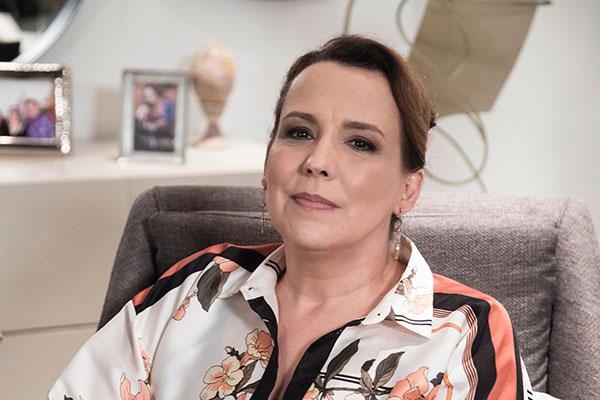 A atriz Ana Beatriz Nogueira vive a personagem Isadora