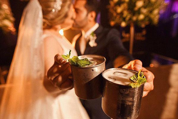 O descontraído Moscow Mule virou até alternativa para brinde de casamento