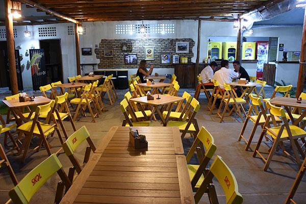 Boteco segue a tradição natalense: área aberta para beber e papear