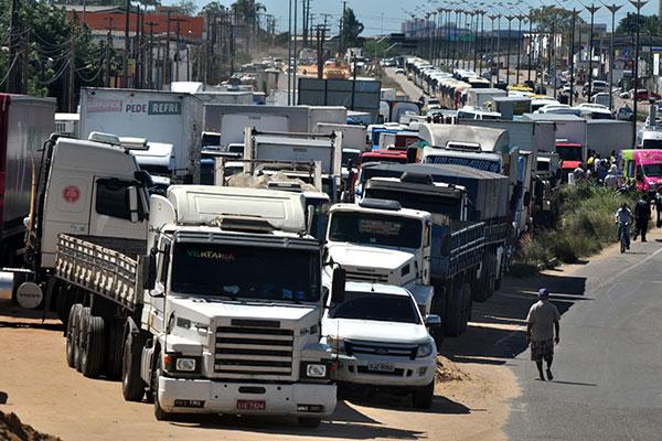 Paralisação dos caminhoneiros causou prejuízos em diversas partes do País ao longo da semana