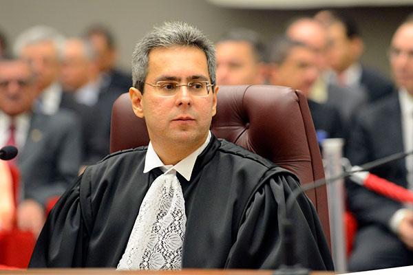 Luiz Aberto Gurgel de Faria, doutor em Direito Público e Ministro do Superior tribunal de justiça