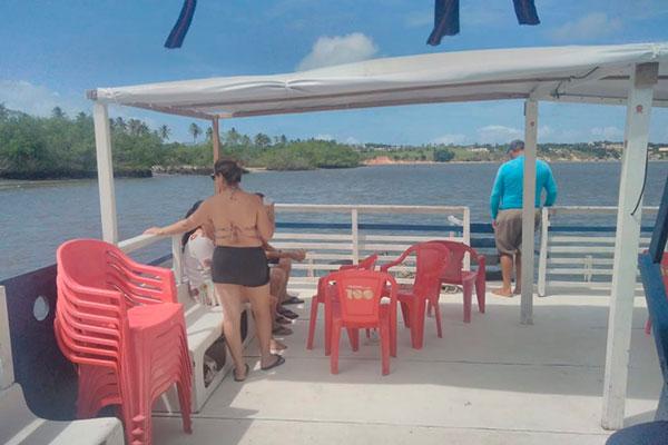 Um por do sol na Lagoa de Guaraíras, em Tibau do Sul, ao som de reggae e forró é atrativo do Baile do Pirata, que estreia na sexta-feira