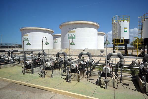 Custo do litro do óleo diesel nas refinarias havia sido reduzido em R$ 0,23 no dia 24 de maio; novos valores serão mantidos por 60 dias