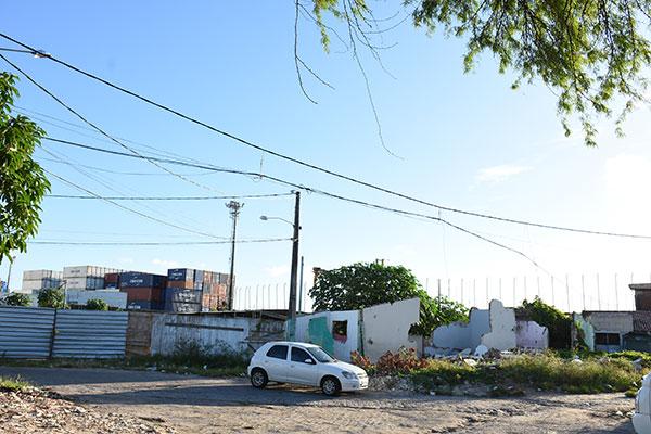 Imóveis ainda existentes na área de quase 7,5 mil metros quadrados, que será urbanizada pela prefeitura, serão demolidos nos próximos dias, segundo a Seharpe