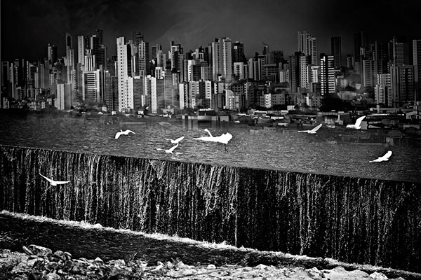 Fotógrafo reflete sobre a degradação do meio ambiente através de paisagens surreais