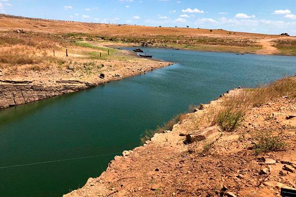 A barragem Armando Ribeiro, maior reserva do RN, chegou ao final do inverno com 29,56% de sua capacidade, que é de 2,4 bilhões de m³