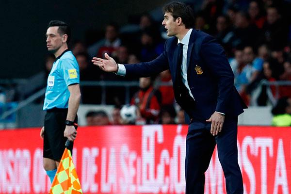 O técnico da Seleção da Espanha, Julen Lopetegui acertou o contrato com o Real Madrid e deixa o comando do selecionado logo após o fim do Mundial da Rússia. Decisão gerou críticas e preocupações