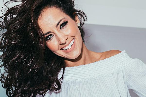 A atriz e apresentadora Maytê Piragibe fala das suas novas experiências no canal L!ke