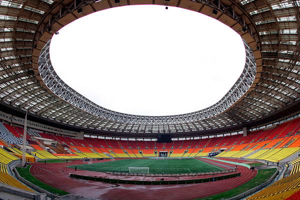 O estádio Luzhniki, em Moscou, capital da Rússia será o palco da abertura do Mundial, do primeiro jogo, Rússia x Arábia Saudita e também do encerramento da Copa