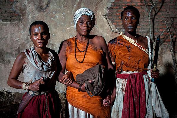 Com Zezé Motta no elenco, um dos contos aborda um grupo de quilombolas que se enquartela num antigo cemitério