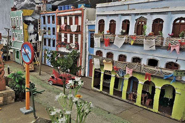 Na Bienal de Cuba, artista expôs prédios de Havana
