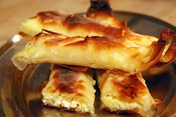 Pão Pita recheado com queijo não pode faltar