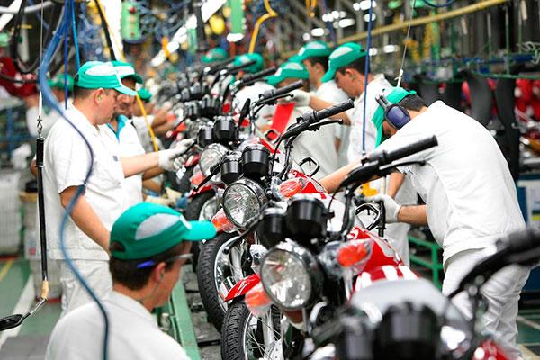À semelhança do mercado de quatro rodas, a produção de motocicletas vem reagindo