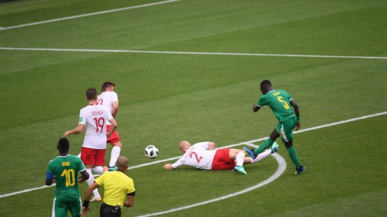 Senegal abriu o placar com chute de fora da área desviado por zagueiro polonês