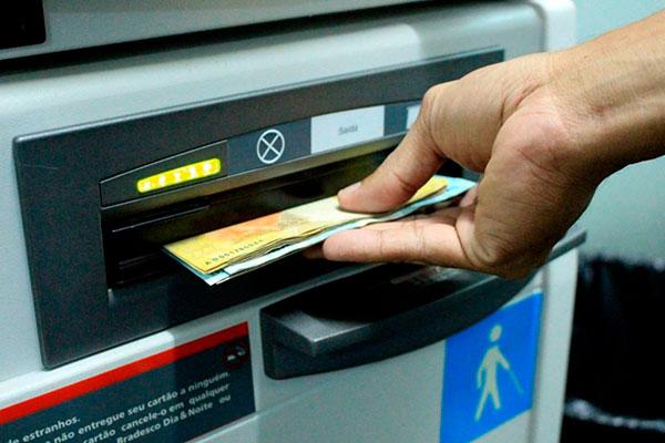 Salários poderão ser transferidos para contas de pagamento, que possibilita movimentar dinheiro e comprar com cartão de crédito