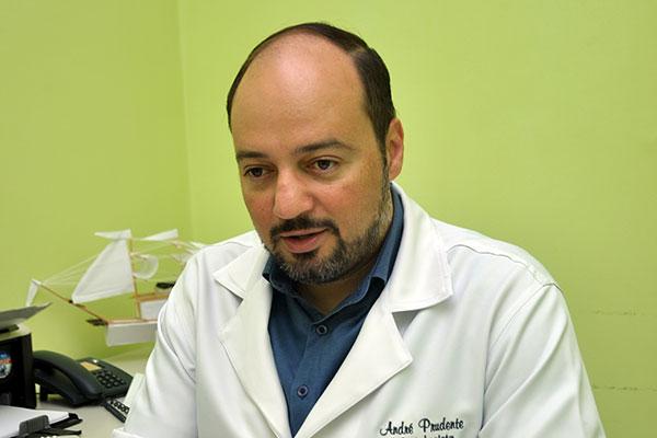 André Prudente diz que a inflamação no sistema nervoso central pode ser causada por qualquer vírus