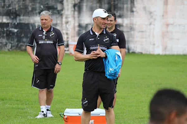 Técnico Ranielle Ribeiro vai voltar a modificar o grupo em busca do time ideal para atuar sábado