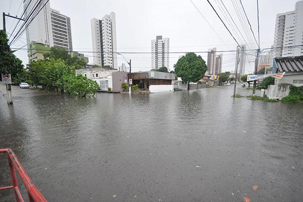 Rua José Gonçalves Ledo, em Lagoa Nova, ficou intransitável