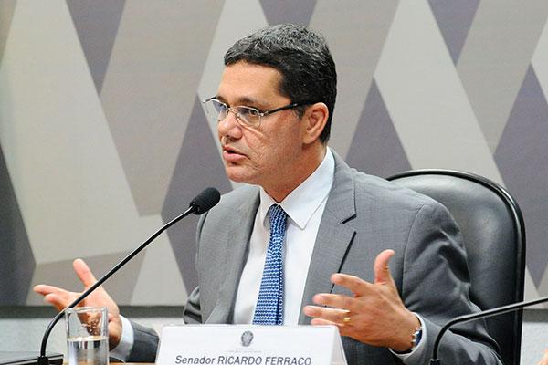 Ricardo Ferraço afirma que regulação existe em mais de 100 países